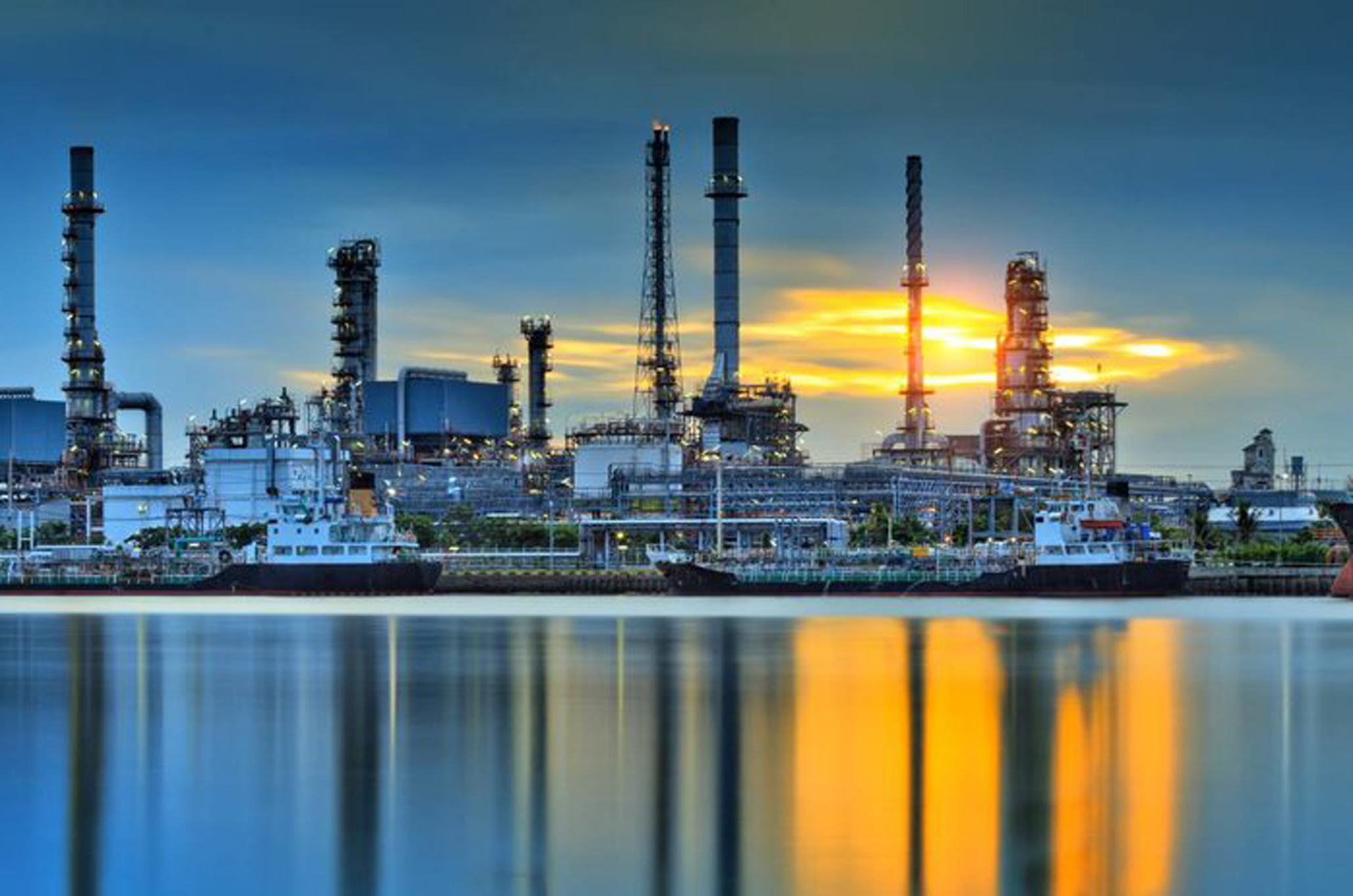 countrys largest refinery - HD 2630×1582